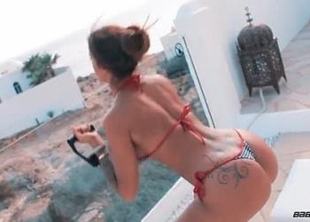 Throwback Thursday - Sexy Squats (ft. Preeti)