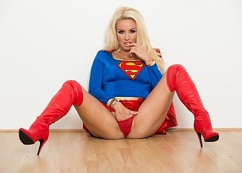 Super Women (ft. Dannii Harwood)