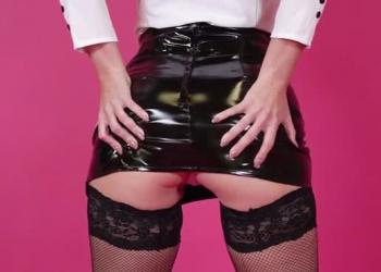 Kinky Kicks (ft. Emma Green)